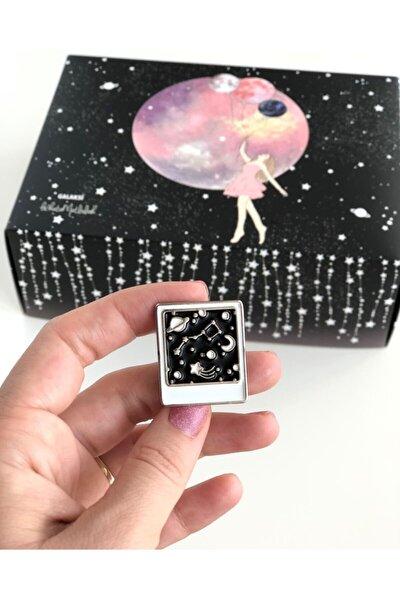 Polaroid Gökyüzü Galaksi Rozet Ve Biraz Yıldız Tozu Bol Şans Motto Kartı