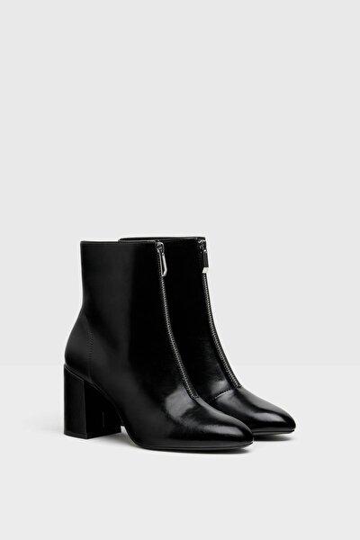 Kadın Siyah Önü Fermuarlı Topuklu Bot