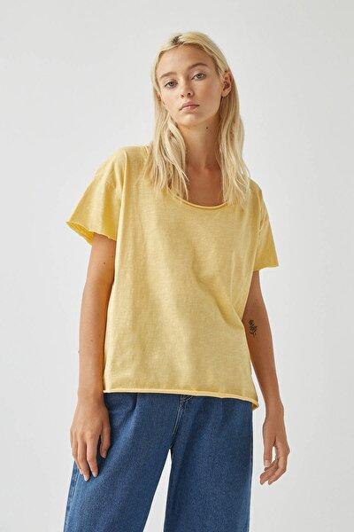Kadın Açık Sarı Biyeli Dikişli Basic T-Shirt 05236307