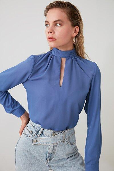 Mavi Yaka Detaylı Bluz TWOAW20BZ0461