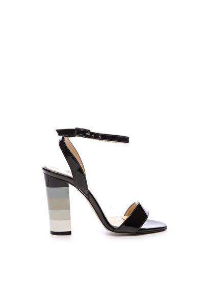 Kadın Siyah Derı Topuklu Ayakkabı 22 995
