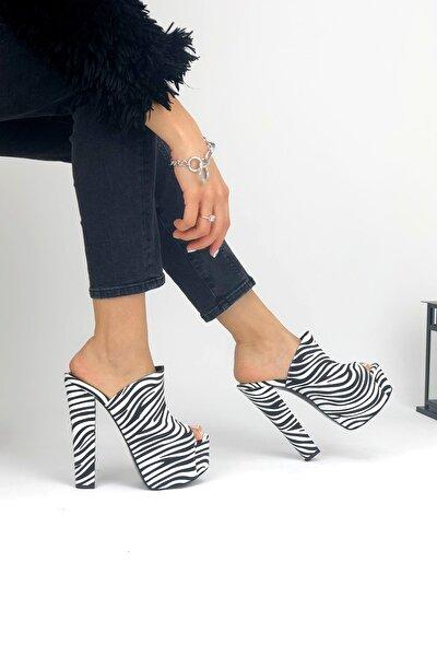 Kadın Zebra Desenli Yüksek Topuklu Terlik