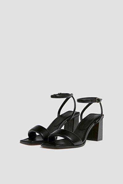 Kadın Siyah Dolgulu Bantlı Topuklu Sandalet 11607740