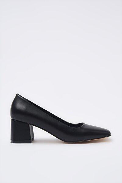Siyah Kadın Klasik Topuklu Ayakkabı 01AYH205360A100