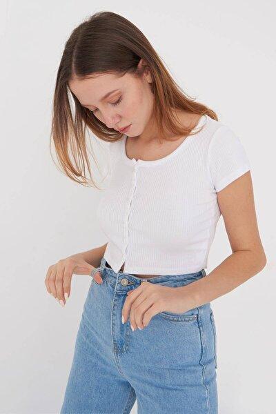 Kadın Beyaz Önden Düğmeli T-Shirt P1004 - K7 Adx-0000022575