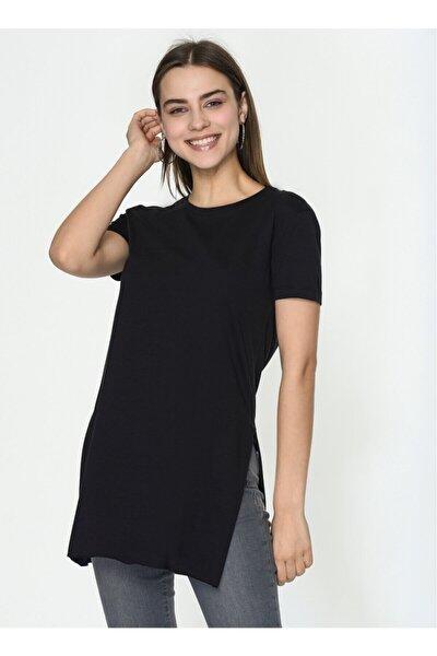 Kadın Siyah  Yanları Yırtmaçlı Kısa Kol Basic Tshirt