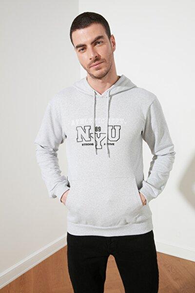 Gri Erkek Regular Fit Kapüşonlu Sweatshirt TMNSS21SW0063