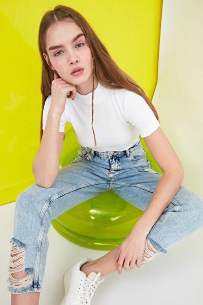 Beyaz Dik Yaka Fitilli Crop Örme Bluz TWOSS21BZ0780
