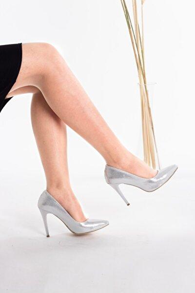 Kadın Klasik İnce Topuklu Simli Ayakkabı Brt354