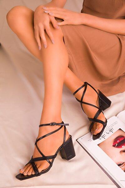 Siyah Kadın Klasik Topuklu Ayakkabı 15913