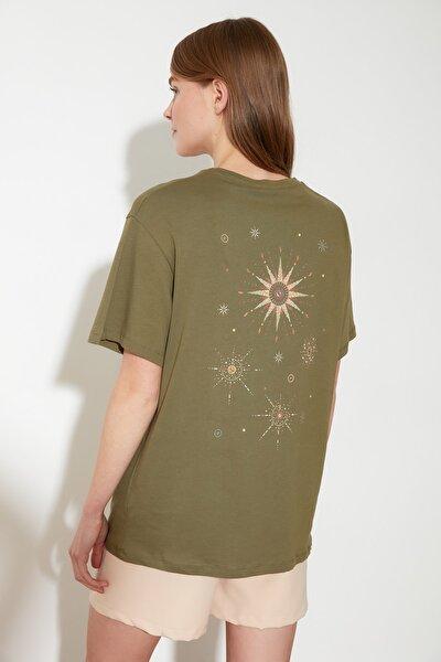 Yeşil Ön ve Sırt Baskılı Boyfriend Kalıp Örme T-Shirt TWOSS20TS1255