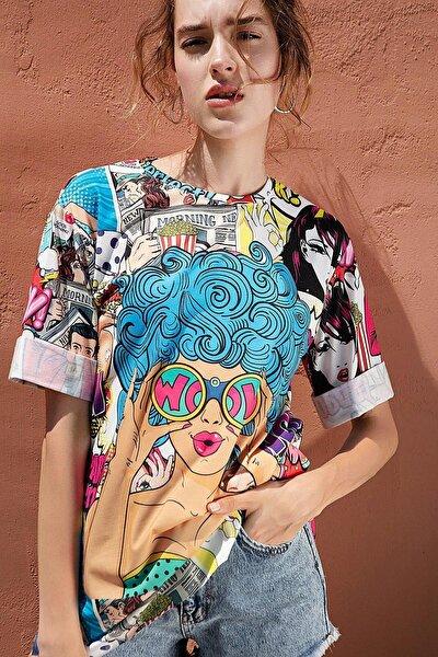 Kadın Baskılı Oversize Yırtmaçlı Kısa Kollu Tişört Y20s110-0387
