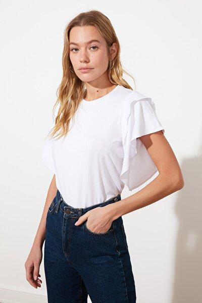 Beyaz Volan Detaylı Basic Örme T-Shirt TWOSS21TS0666