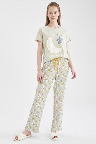 Kadın Ekru Relax Fit Baskılı Kısa Kol Pijama Takımı