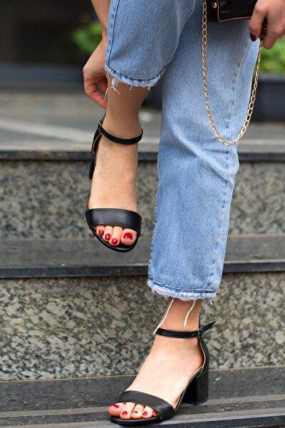 Calida Mat Siyah Topuklu Sandalet