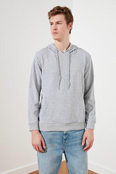 Gri Erkek Regular Fit Kapüşonlu Kanguru Cepli Sweatshirt TMNAW20SW0162