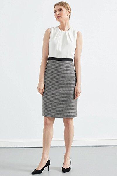 Elbise- Sıfır Yakadan Pileli, Kemer Üstü Grogren Detaylı, Kalem