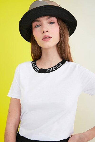 Beyaz Baskılı Basic Örme T-Shirt TWOSS21TS0835