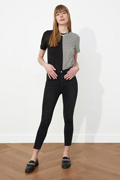 Siyah Yüksek Bel Skinny Jeans TWOSS21JE0011