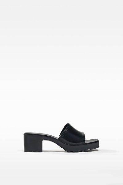 Kadın Siyah Parlak Topuklu Sandalet 11720760