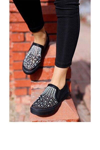 Kadın Siyah Taşlı Spor Ayakkabı