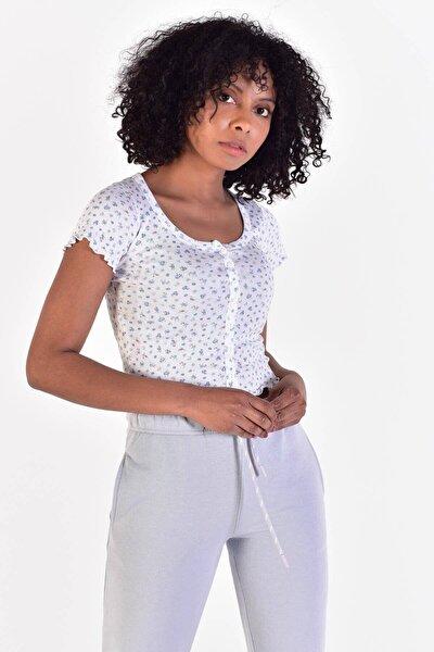 Kadın Beyaz Mavi Düğme Detaylı T-Shirt Çiç. P0855 - I13 Adx-0000021627