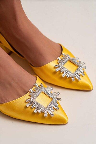 Kadın Paul Sarı Saten Şeffaf Burun Taş Detay Sandalet