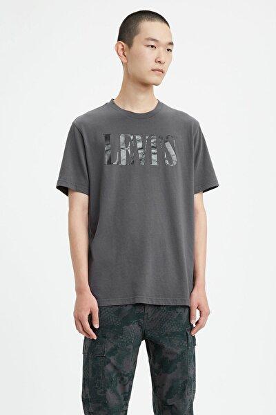 Erkek Relaxed Graphic 90's Serif Logo T-Shirt 69978-0045