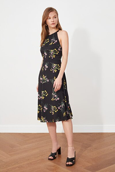 Siyah Volanlı Halter Yaka Elbise TWOSS21EL1676