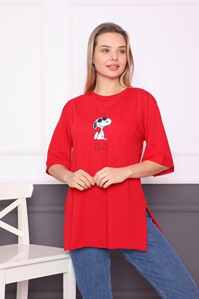 Kadın Kırmızı Önü Ve Arkası Baskılı Yanları Yırtmaçlı Oversize Duble Kol Tişört