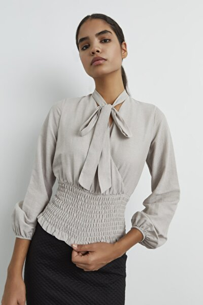 Kadın C.Bej Kroşetalı Yakası Fularlı Bluz