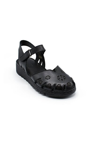 Önü Kapalı Çiçekli Deri Rahat Sandalet