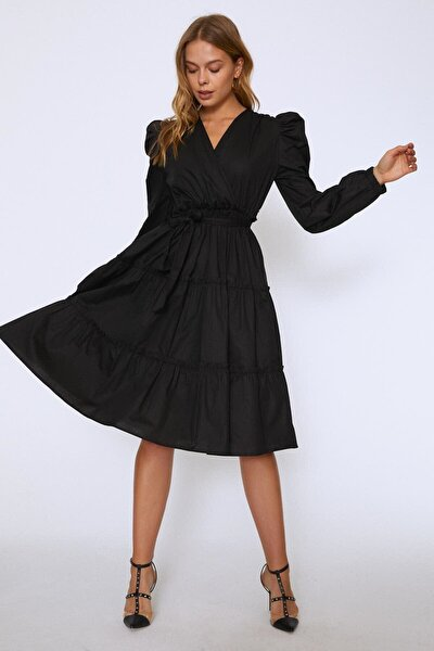 Kolları Vatkalı Kuşaklı Elbise Siyah