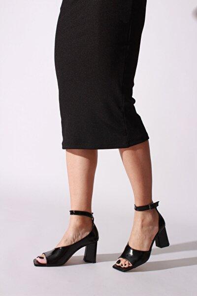 Kadın Siyah Kırışık Rugan Topuklu Ayakkabı