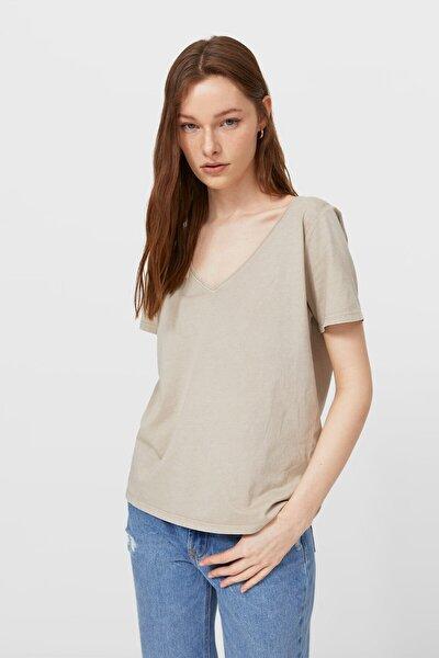 Kadın Krem Rengi V Yaka Basic T-Shirt 02512576