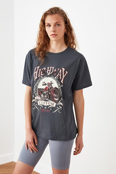 Antrasit Baskılı Boyfriend Örme T-Shirt TWOSS21TS2904