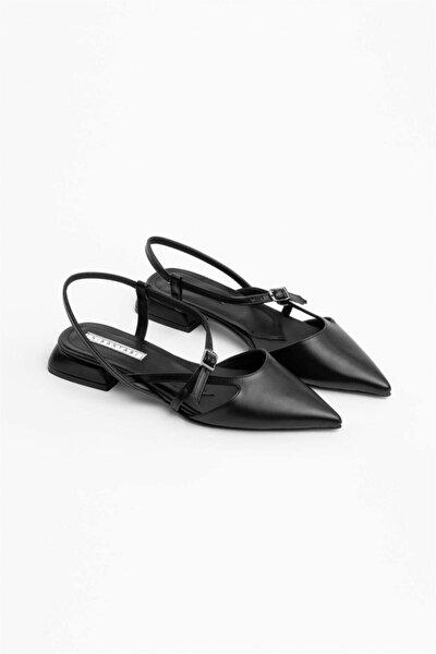 Kadın Siyah Mat Kısa Topuklu Kemer Detay Sandalet
