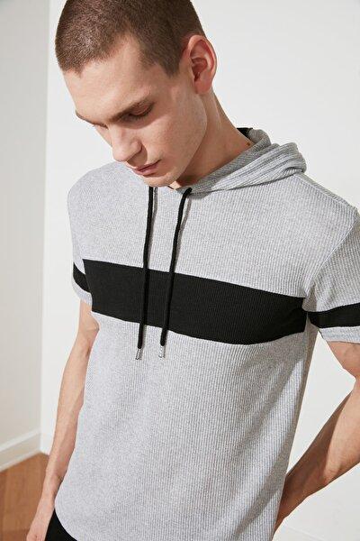 Gri Erkek Regular Fit Kapüşonlu  T-Shirt TMNSS21TS1018