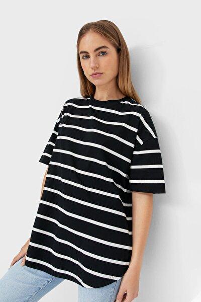 Kadın Siyah Çizgili Uzun Basic T-shirt
