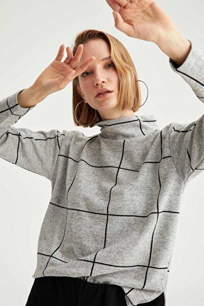 Kadın Gri Önü Kısa Arkası Uzun Kareli Bluz