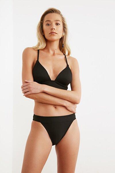 Siyah Dokulu Bikini Altı TBESS21BA0016