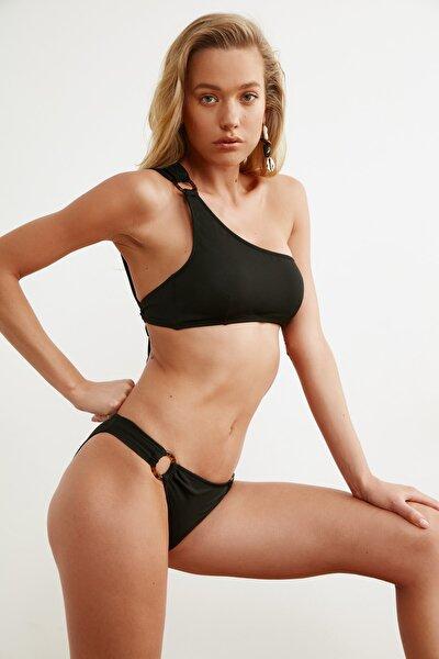 Siyah Halka Aksesuarlı Bikini Altı TBESS21BA0048