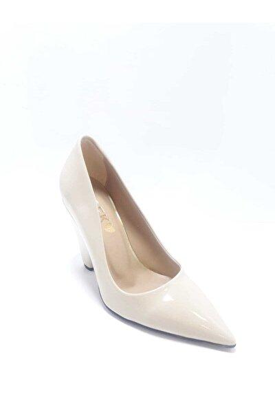 Kadın  Bej Rugan Klasik Topuklu Ayakkabı