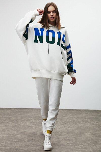 TINA Kadın Beyaz Önü Baskılı Extra Oversize Kapüşonlu Sweatshirt