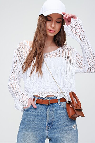 Kadın Beyaz V Yaka Ajurlu Crop Bluz ALC-X5913
