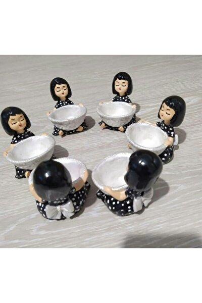 Kahve Yanı Sunumluk Lokumcu Kızlar Siyah-beyaz