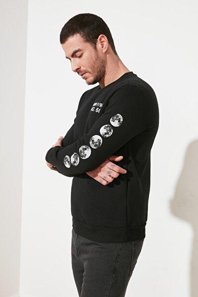 Siyah Erkek Baskılı Regular Fit Sweatshirt TMNAW21SW0980