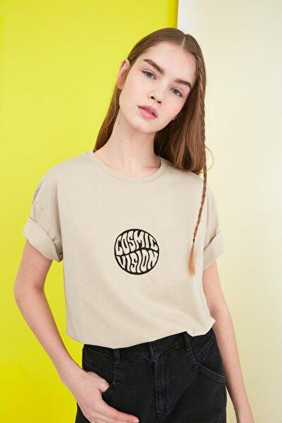 Bej Nakışlı Boyfriend Örme T-Shirt TWOSS21TS0317