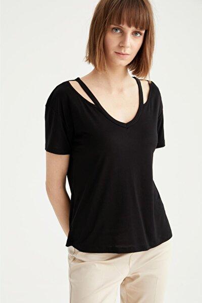 Kadın Siyah V Yaka Omuz Dekolteli Relax Fit Tişört