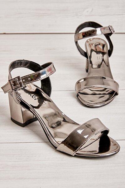 Kurşun Kadın Klasik Topuklu Ayakkabı K05503723039